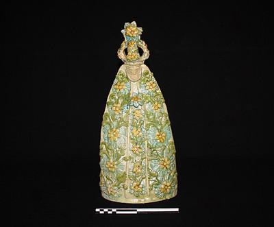 Figurilla de Virgen con corona