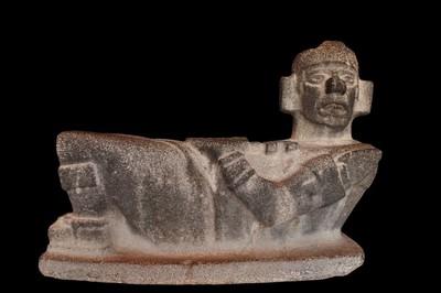 Escultura mítica Chac Mool