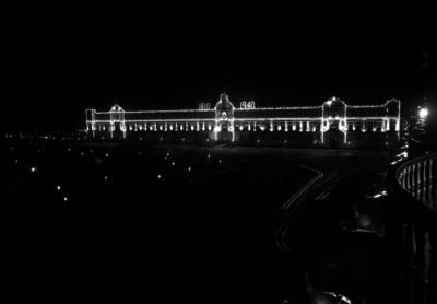 Palacio Nacional y zócalo, iluminados durante los festejos del día de la Independencia, vista nocturna