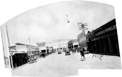 Calle de la ciudad de Tijuana donde se encuentra el paso a Estados Unidos