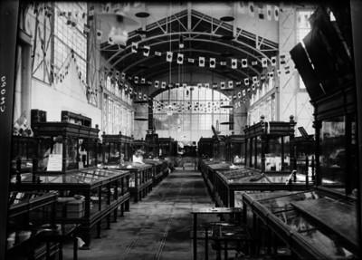 Exposición de arte industrial japonés durante los Festejos del Centenario de la Independencia