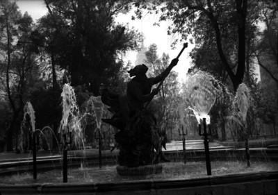 Fuente con escultura en la Alameda Central