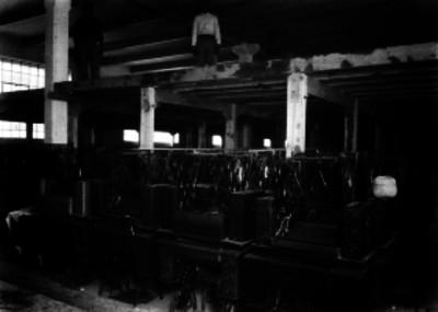 Máquinas de coser en una bodega del Monte de Piedad