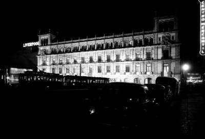 Ayuntamiento de la Cd. de México, con iluminación