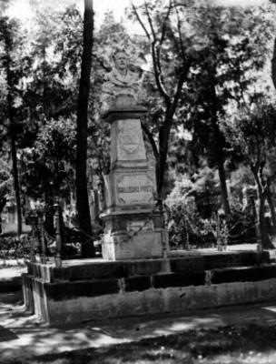 Busto de Guillermo Prieto en el Pantón de Dolores