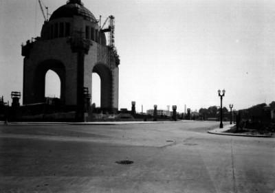 Construcción del monumento a la Revolución