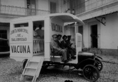 Vehiculo utilizado para campaña de vacunación