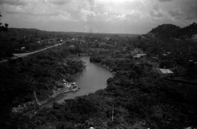 Canal de la presa Miguel Alemán