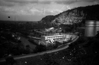 Sistema hidroeléctrico Miguel Alemán