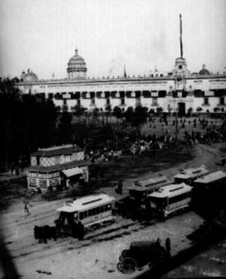 Plaza de la constitución y Palacio Nacional, panorámica
