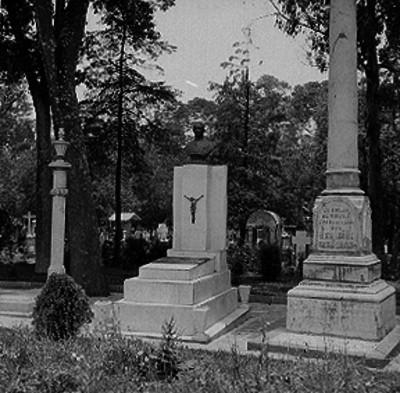 Monumentos en tumbas