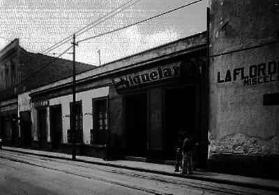 Tiendas en la calle San Juan de Letrán, fachadas