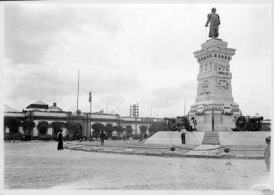 Destrozos en la Plaza Ciudadela durante la Decena Trágica