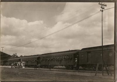 Ferrocarril en la estación de Buenavista antes de su partida