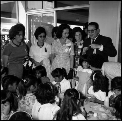 Eva Sámano de López Mateos en la apertura del Centro de Orientación Nutricional Benito Juárez en Baja California