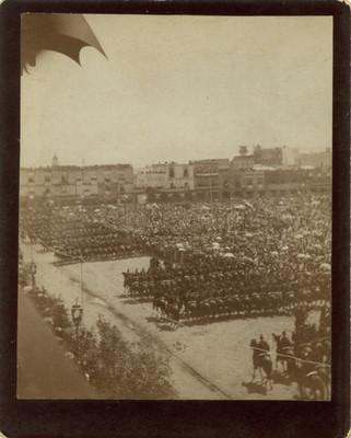 Desfile militar en el Zócalo