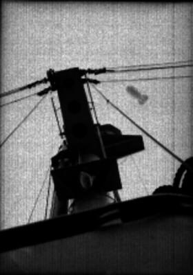 Antena de trasmisión de un barco