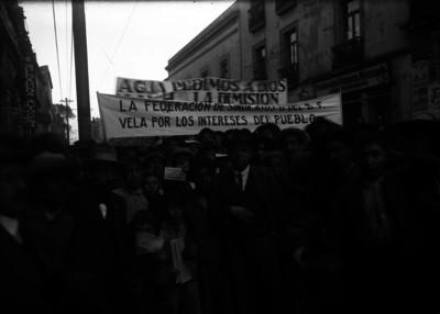 Manifestación de la Federación de Sindicatos del D.F. en demanda de agua