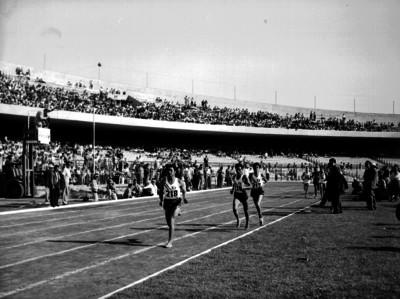 Atletas durante una competencia en los Segundos Juegos Panamericanos