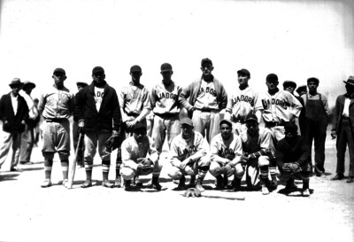 Jugadores de beisbol del equipo Lijadores, retrato de grupo