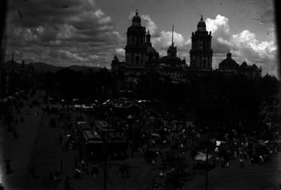Terminal de tranvías eléctricos en la plaza del Zócalo