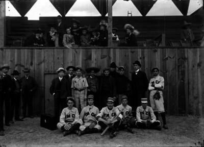Equipo de beisbol de la YMCA, retrato de grupo