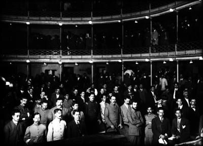 Delegados de la Convención de Aguascalientes en el Teatro Morelos durante una sesión