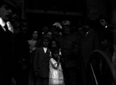 Victoriano Huerta recibido por familiares y amigos al terminar la campaña orozquista