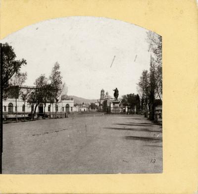 Paseo de Bucareli y estatua de Carlos lV