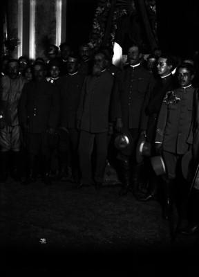 Venustiano Carranza y otros jefes del ejército constitucionalista en Palacio Nacional