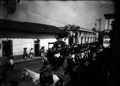 Zapatistas entran a la ciudad de Cuernavaca