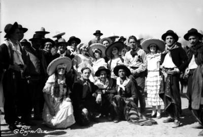Charros, Chinas poblanas y Argentinas, retrato de grupo