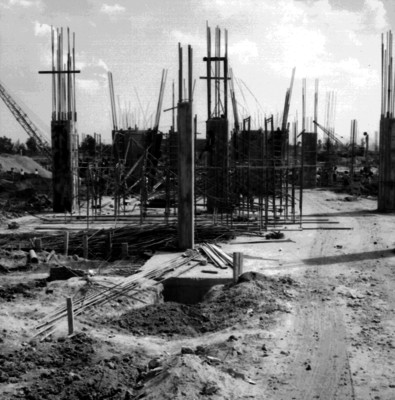 Castillos en las obras del Palacio de los Deportes