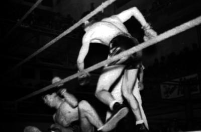 Boxeadores en un asalto
