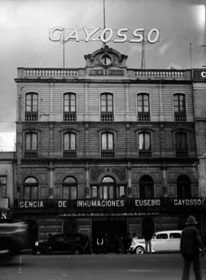 """""""Agencia de Inhumaciones Eusebio Gayosso"""", fachada, vista frontal"""