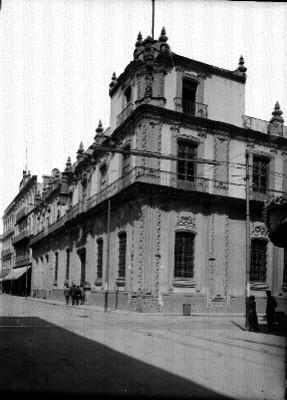 Casa de la Marquesa de San Mateo Valparaiso, hoy Banco Nacional, fachada