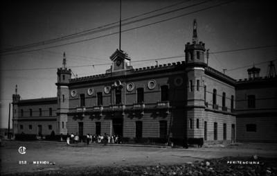 Penitenciaria Lecumberry, exterior