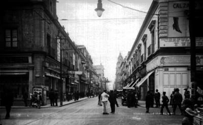Vida ocotidiana en la calle Isabel la Católica