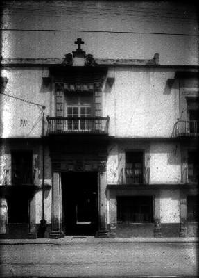 Casa en el número 70 de la calle Donceles, fachadas