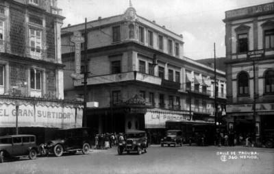 Calle de Tacuba, vista general