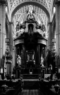 """Altar mayor en """"La Catedral"""" de """"Puebla"""""""