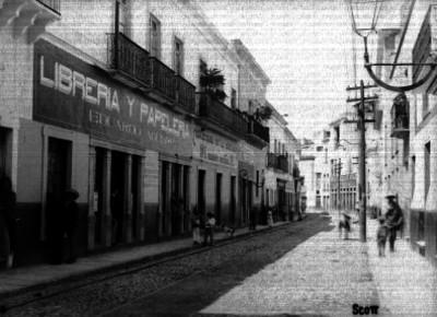 Vida cotidiana en una calle de Guanajuato, vista general