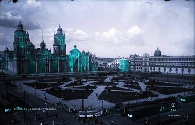 Vista de la catedral metropolitana en la Plaza de la Constitución