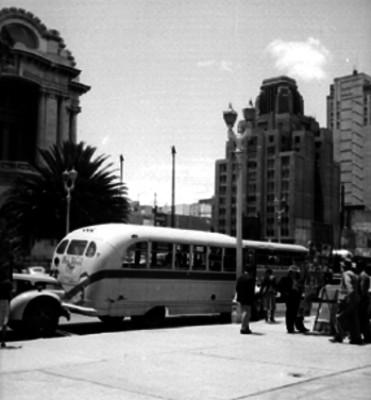 Vida cotidiana en la calle de Angela Peralta de la Ciudad de México