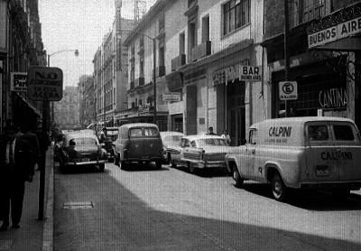 Vida cotidiana en la calle Motolina de la Cd. de México