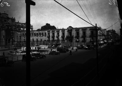 Seminario de la catedral, plaza y calle, vista general