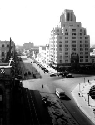 Edificio nieto en la avenida San Juan de Letran, vista general