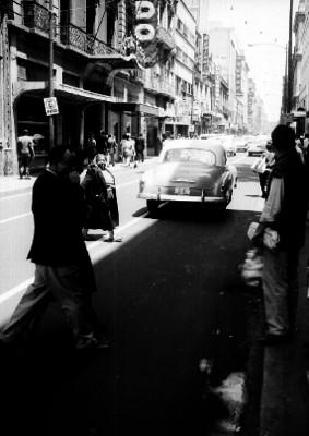 Vida cotidiana en la avenida Madero de la Cd. de México