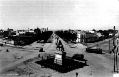 Monumentos a Carlos IV en Paseo de la Reforma, vista general
