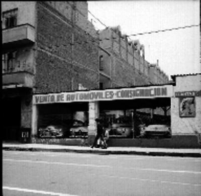 Agencia de automóviles, fachada